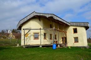 Hiša iz slame